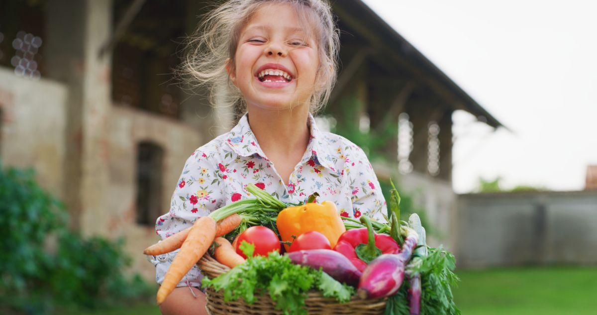 Żelazo w diecie dziecka – jeden z najważniejszych pierwiastków warunkujących rozwój i zdrowie